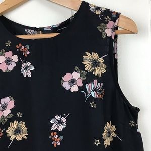 Who What Wear Sleeveless Floral Print Blouse Med